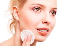Gesichtshaut abschminken